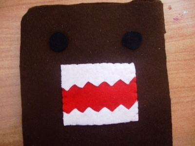 How to sew a fabric character pouch. Domo Kun Pouch - Step 7