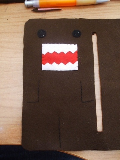 How to sew a fabric character pouch. Domo Kun Pouch - Step 8