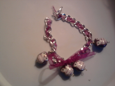 How to make a ribbon chain bracelet. Bracelet With Ribbon Bow - Step 4