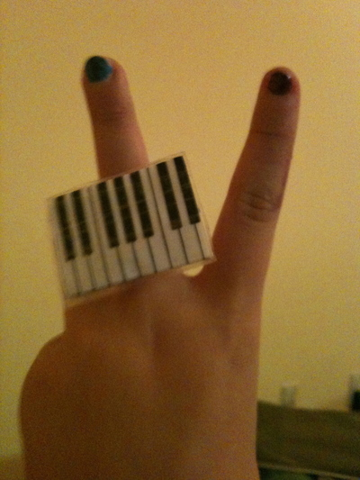 How to make a duct tape ring. Piano Ring - Step 4