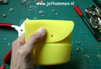 How to make an embellished pouch. Mini Pouch Of A Bleachbottle - Step 8