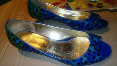 How to paint a pair of patterned shoes. Leopard Print Kitten Heels - Step 5