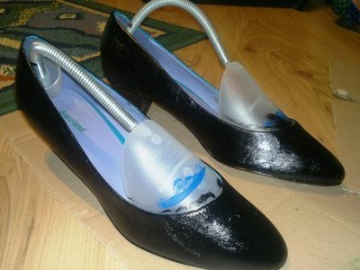 How to paint a pair of painted shoes. Nautical Kitten Heels - Step 1