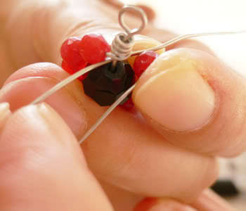 How to make a wire bracelet. Flower Shape Wire Wrapped Loop Link Bracelet - Step 7