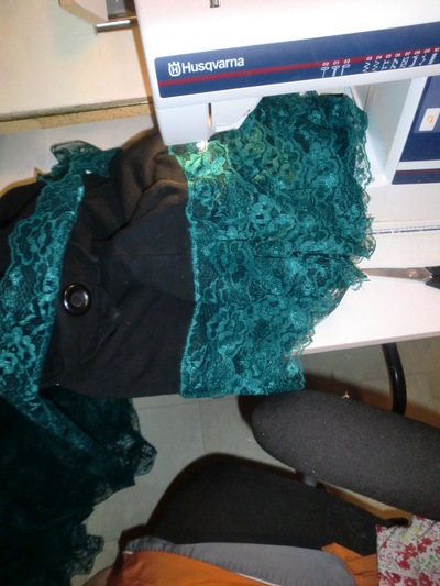 How to make a pencil skirt. Teal Lace Pencil Skirt - Step 2