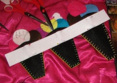 How to make a scissors holder. Yummy Scissor Holders - Step 7