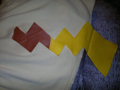 How to make a hoodie. Pikachu Hoody - Step 14