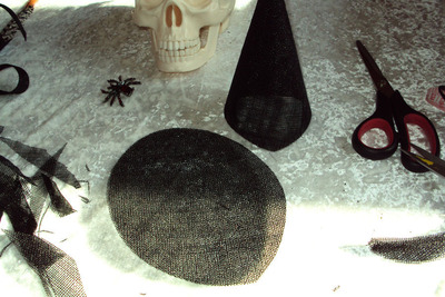 How to make a novelty hat. Mini Witch Hat - Step 11