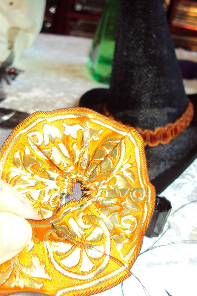 How to make a novelty hat. Mini Witch Hat - Step 17