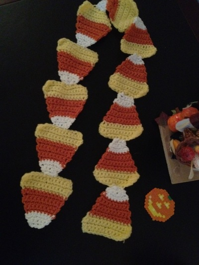 How to make a novelty scarf. Candy Corn Scarf: Crochet! - Step 4