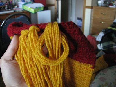 How to knit or crochet a stripy scarf. Gryffindor Scarf - Step 12