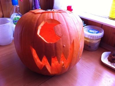 How to decorate a pumpkin. Pumpkins  Cyclops And Evil Alien - Step 3