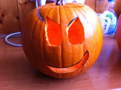 How to decorate a pumpkin. Pumpkins  Cyclops And Evil Alien - Step 4