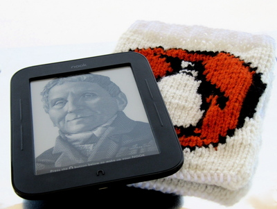 How to make a book cover. Knitted Penguin Books Book/Nook/Kindle Cover - Step 6