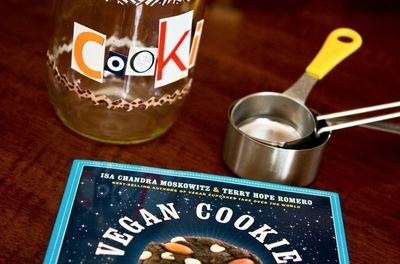 How to bake a cookie. Punk Rock Cookie Jar - Step 1