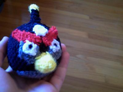 How to make a bird plushie. Angry Birds Amigurumi Bomb Bird Plushie - Step 9