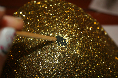 How to make a shoulder pad. Sequined Shoulder Pads/Epaulettes From An Old Bra - Step 10