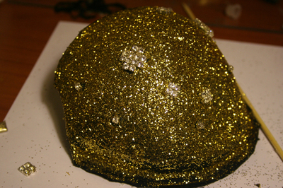 How to make a shoulder pad. Sequined Shoulder Pads/Epaulettes From An Old Bra - Step 11