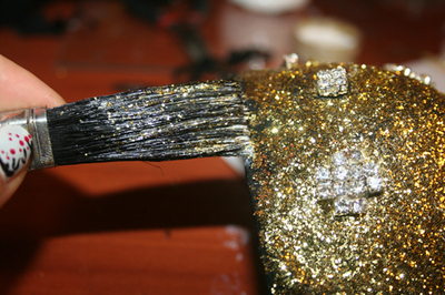 How to make a shoulder pad. Sequined Shoulder Pads/Epaulettes From An Old Bra - Step 15