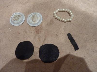 How to make a bottle cap pendant. Vintage Look Bottle Top Locket - Step 12
