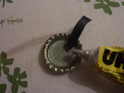 How to make a bottle cap pendant. Vintage Look Bottle Top Locket - Step 13