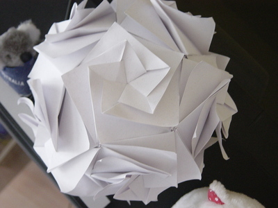 How to make an origami flower. Origami Enrica's Dodecahedron Kusudama - Step 4