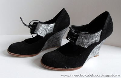 How to decorate a pair of glitter shoes. Sparkly Wedges - Step 3