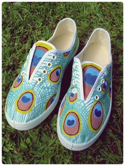 How to paint a pair of painted shoes. Peacock Shoes - Step 3
