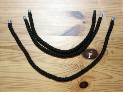 How to make a feather necklace. Feather & Rope Necklace - Step 3