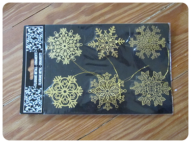 How to make a recycled wreath. Cool Winterish Wreath Made Of Old C Ds - Step 6
