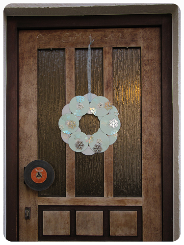 How to make a recycled wreath. Cool Winterish Wreath Made Of Old C Ds - Step 10