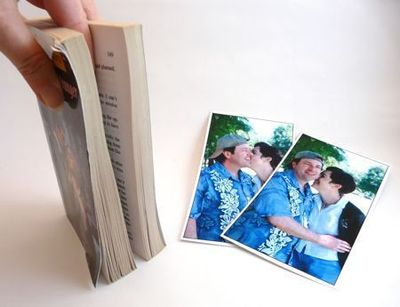 How to make a recycled photo frame. Paperback Picture Frame - Step 2