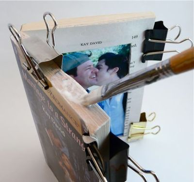 How to make a recycled photo frame. Paperback Picture Frame - Step 9