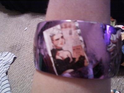How to make a paper bracelet.  A Modge Podge Artwork Bracelet - Step 1