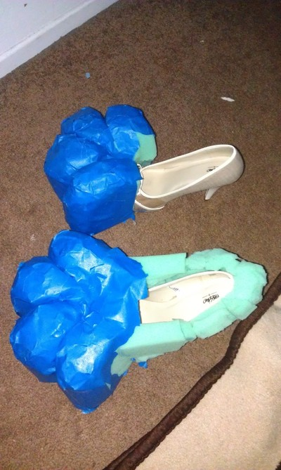 How to make a pair of furry boots. Furry Paw Feet (Cosplay) - Step 6