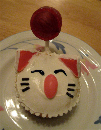 How to decorate an animal cake. Moogle Cupcakes - Step 9
