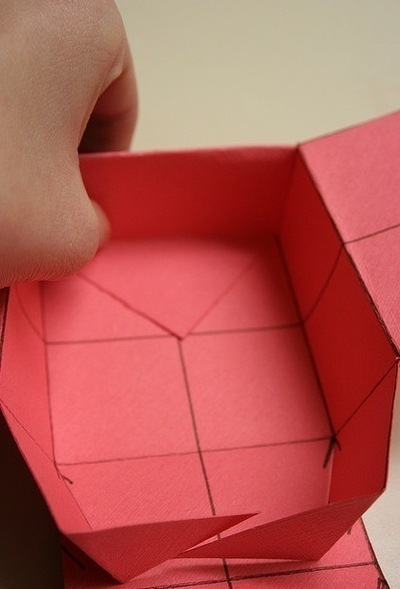 How to fold a paper explosion box. Magic Boxes - Step 10