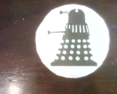 How to decorate a character cookie. Cookie Cutter And Cookies Dalek Drwho - Step 2