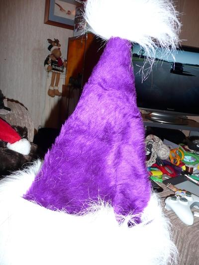 How to make a novelty hat. Purple Santa Hat - Step 3