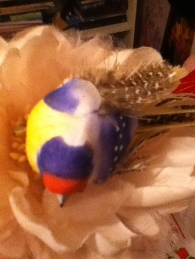How to make a fascinator. Lovely Festive Hat Thing - Step 4