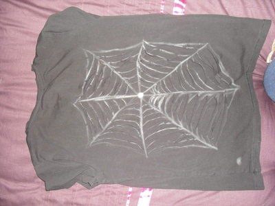 How to revamp a shredded top. Spiderweb Back T Shirt - Step 5