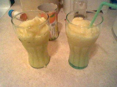 How to mix an orange smoothie. Orange Julius (No Egg) - Step 9