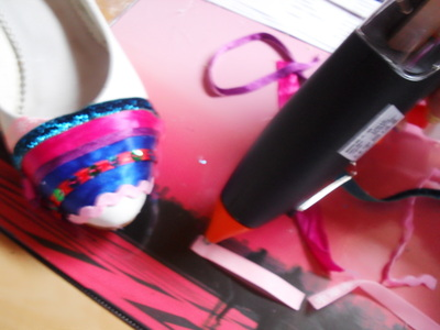 How to embellish a pair of ribbon shoes. Stripey Ribbon Shoes - Step 3