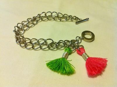 How to make a bracelet. Tassel Charms Bracelet - Step 7