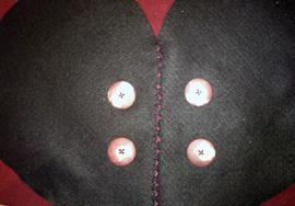 How to make a heart shaped bag. Cute As A Button Heart Bag - Step 11