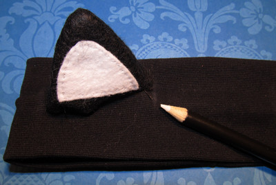 How to make an ear / horn. From Headband To Cat Ears - Step 6