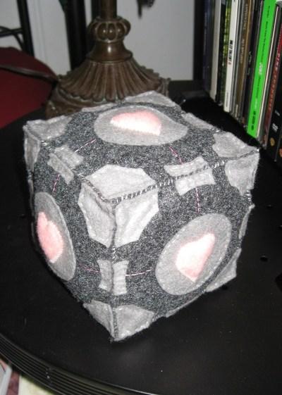 How to make a cube plushie. Companion Cube Plush - Step 6