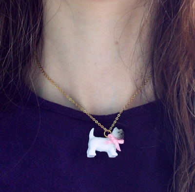 """How to make a toy necklace. And Mary's """"What's The Story, Winston?"""" Necklace - Step 5"""