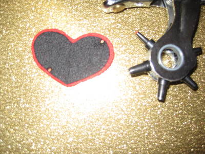 How to make an eye patch. Black Heart Valentine Eyepatch!  - Step 6