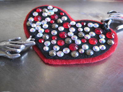 How to make an eye patch. Black Heart Valentine Eyepatch!  - Step 10